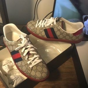 Gucci shoes Red & Blue with Gucci pattern